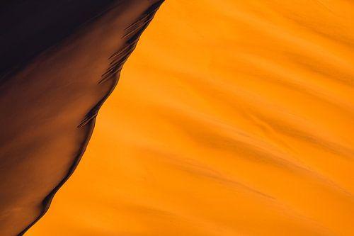 Abstracte foto van rode zandduinen - Sossusvlei, Namibië von Martijn Smeets