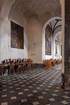 intérieur de l'église Sant'Andrea dans la station balnéaire italienne de Levanto sur gaps photography