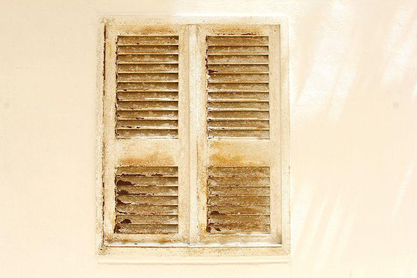 Italienische Fensterläden von Inge Hogenbijl