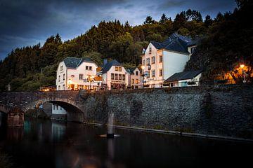 Pittoresk Vianden, Luxemburg bij nacht van Chris Snoek