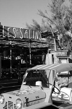 Mini Moke in Les Salins in Saint-Tropez von Tom Vandenhende