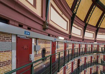Interieur gevangenis Arnhem, koepelgevangenis cellen van Ger Beekes