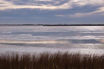 Het IJsselmeer in de winter 1 van Ynze Braaksma