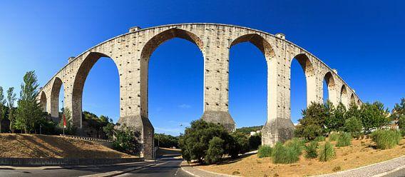 Águas Livres Aquaduct panorama van Dennis van de Water
