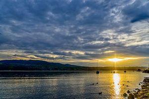 Een zonsondergang aan het Meer van Zürich.