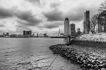 Zicht op Rotterdam II in zwart wit van Bert-Jan de Wagenaar