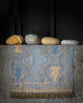 Stoer stilleven met stenen