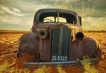 Rusty Auto in der Wüste, Namibia von Rietje Bulthuis