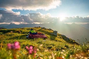 Romantische zonsopgang over de Allgäuer Alpen van Leo Schindzielorz