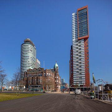 Hotel New York in Rotterdam zwischen zwei Wohnungen von Joost Adriaanse