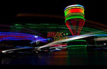 Break dance (kermis) van Marcel Kerdijk