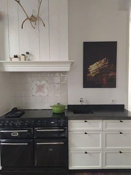 Klantfoto: Stilleven met bundel asperges en takje met rode aalbessen - Adriaen Coorte