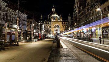 Zicht op centraal station Antwerpen van Ronny Struyf