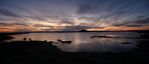 Hemelse zonsondergang in IJsland van