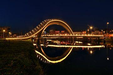 Melkwegbrug te Purmerend met spiegeling in NoordHollands kanaal van FotoBob