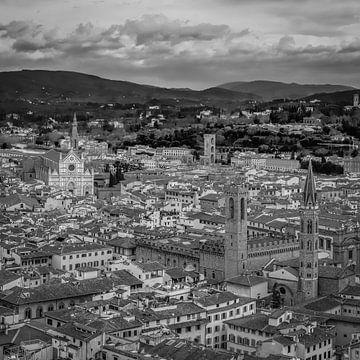 Italië in vierkant zwart wit, uitzicht vanaf Duomo van Teun Ruijters