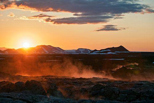 Iceland land of fire von