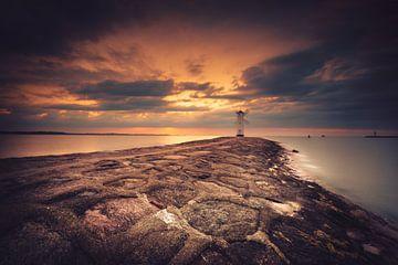 Leuchtturm in der Ferne von Skyze Photography by André Stein