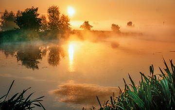 Sonnenaufgang Wasserlandschaft von natascha verbij