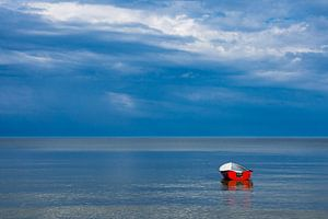 Fishing boat on the Baltic Sea coast van