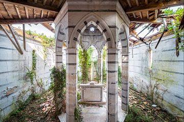 église abandonnée avec des rayures sur Kristof Ven