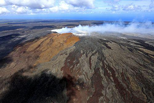 Crater of a volcano von Antwan Janssen