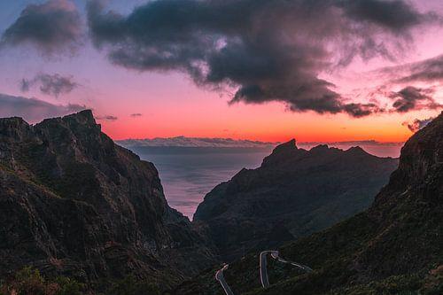Sunset in the valley van