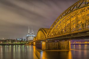 Köln - Dom und Hohenzollernbrücke van Tux Photography