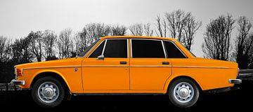 Volvo 144 in orange von aRi F. Huber