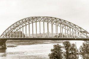 Waalbrug bij Nijmegen (in sepia)