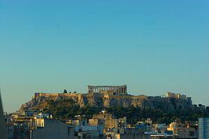 Scène urbaine d'Athènes avec l'Acropole sur