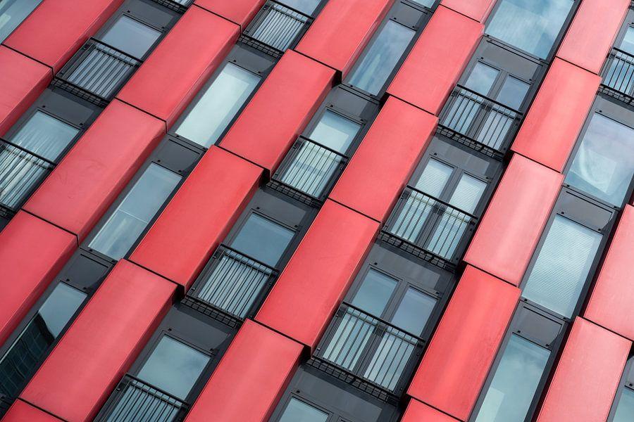 Architectuur van de Red Apple in Rotterdam van Mark De Rooij