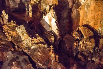 Erdtöne. Die Farbe des Steins, Höhle in Paklenica NP, Kroatien von Rietje Bulthuis
