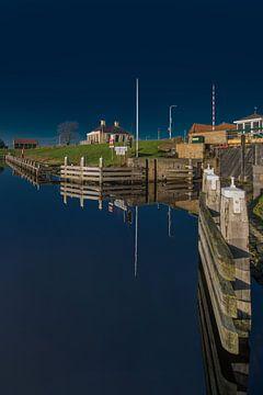 L'entrée de la ville frisonne de Workum, dans l'IJsselmeer sur Harrie Muis