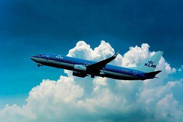 Een KLM Boeing 737-800, registratie PH-BCE, genoemd Blauwborst. van