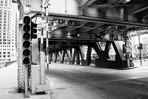 Toegang tot een brug over de Chicago rivier