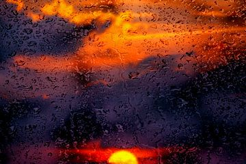 Concept sunset : Rainy sunset van Michael Nägele