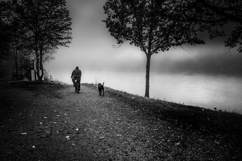 Schwarz Weiss - Nebel am Inn von Holger Debek