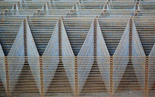 Abstract patroon in draadstaal van