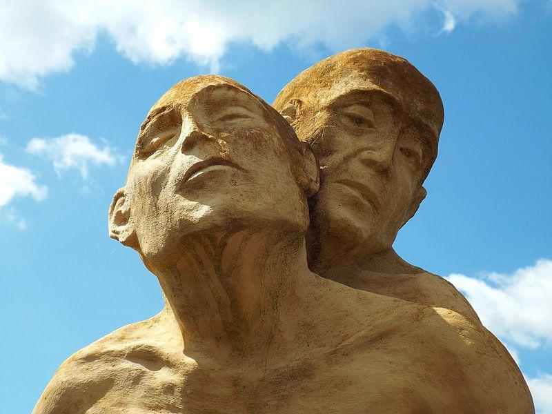 Ergreifendes Kunstwerk Denkmal in Digoin van Renate Knapp