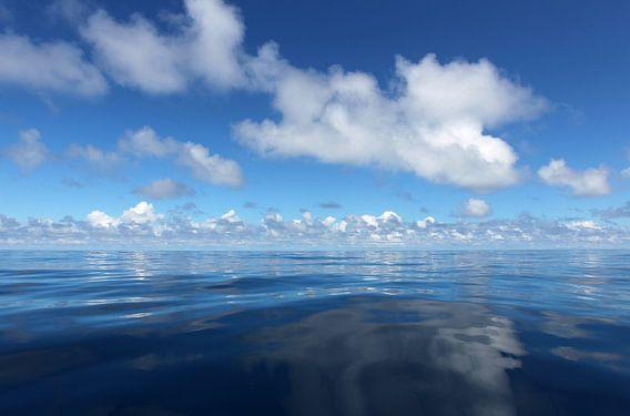 MID OCEAN van Sybrand Treffers