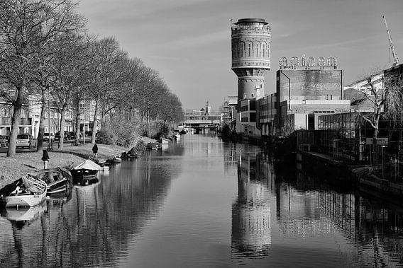 Watertoren aan het Heuveloord in Utrecht (liggend, zwartwit)