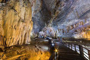 Volg het pad in Paradise Cave - Phong-Nha, Vietnam van