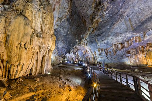 Volg het pad in Paradise Cave - Phong-Nha, Vietnam