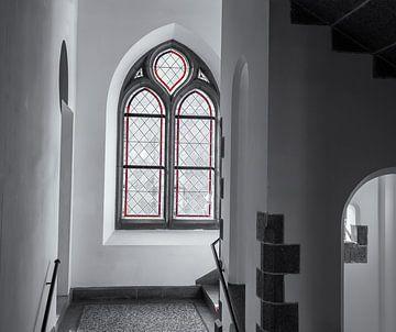 Schwarz-Weiß-Komposition mit Rot von Corrie Ruijer