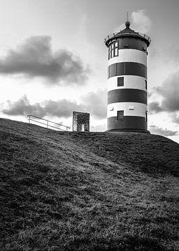 Leuchtturm von Pilsum in Schwarz und Weiß von Marga Vroom