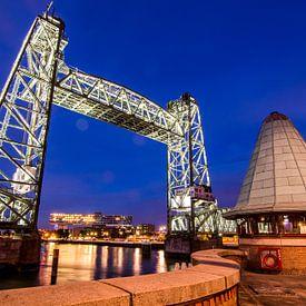 Hefbrug; Framing in Rotterdam van Mike Pennings