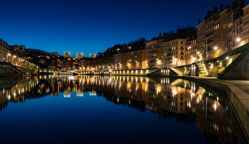 Saône by night van Steven Groothuismink
