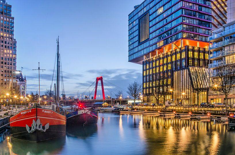 Rotterdam in rood en blauw van Frans Blok