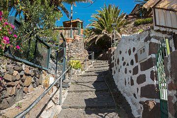 trapje in  het dorp masca van Compuinfoto .